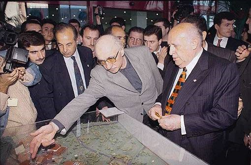 Suleyman Demirel and Fetullah Gulen at the opening ceremony of Fatih University