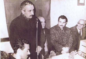 Fetullah Gulen while giving a speech in a coffee house
